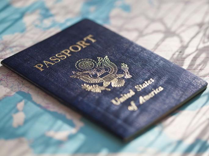 53e2e729c2d3f39d36108e39_us-passport-alamy